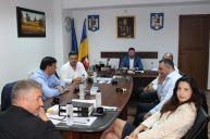 Ministrul Marcel Vela nu vrea să se pună rău cu baronul Niculae Bădălău
