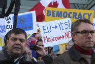 Ucraina: 20.000 de oameni au manifestat pentru susţinerea acordului cu UE