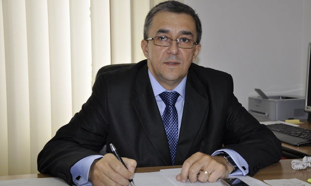 Prefectul de Suceava, Florin Sinescu, este urmărit penal de DNA pentru abuz în serviciu