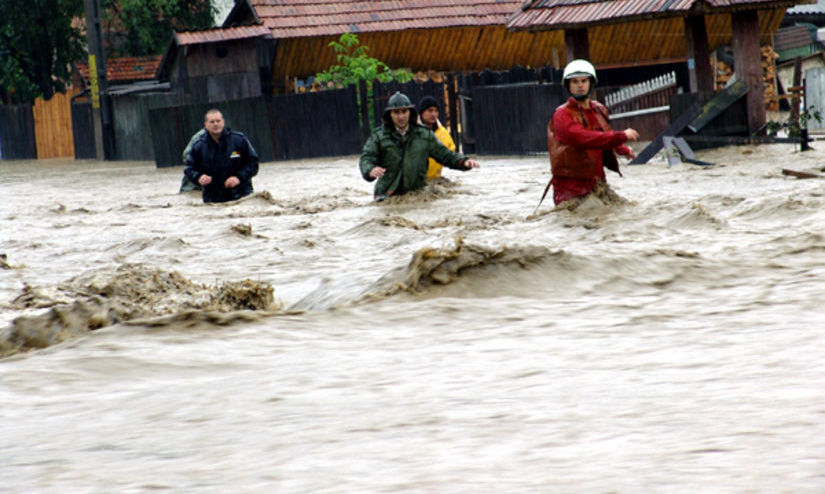 Avertizare hidrologi: COD ROŞU de INUNDAŢII în judeţele Satu Mare, Sălaj şi Maramureş