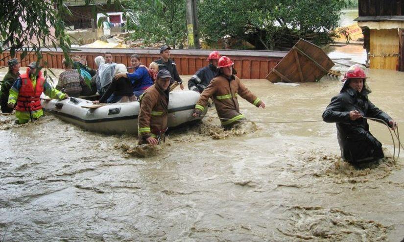 Şase localităţi din Maramureş sunt afectate de inundaţii. Mai multe familii, evacuate