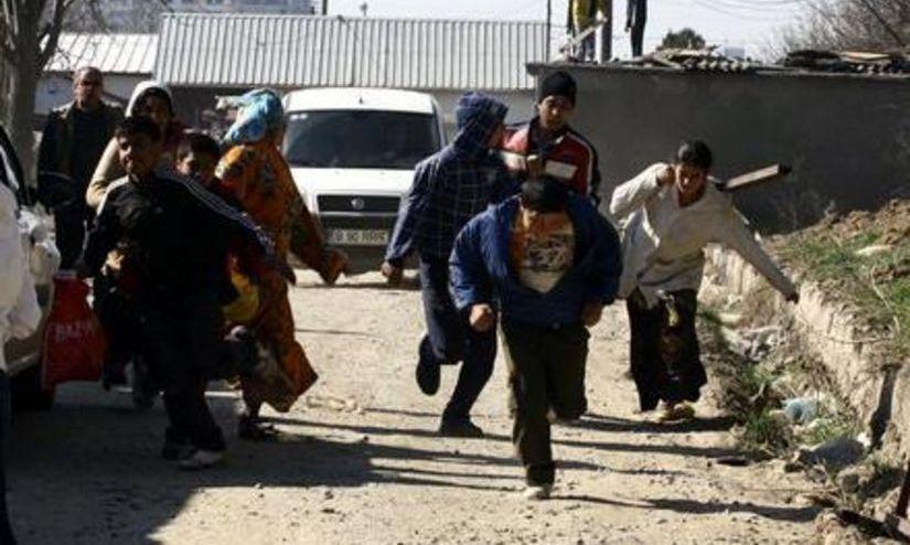Scandal. Două familii de romi din Baia Mare s-au bătut cu bâte şi cuţite