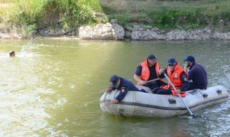 Un tânăr s-a înecat în râul Siret. Cadavrul, recuperat după două ore de căutări
