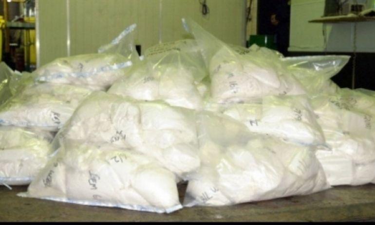 Sute de kilograme de heroină, descoperite într-un TIR care încerca să iasă din ţară prin Vama Petea