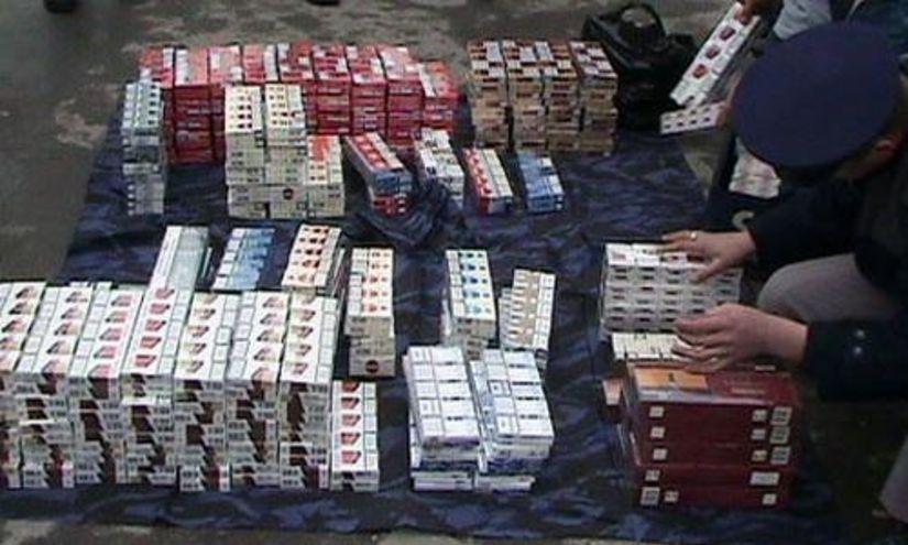 Ţigări de proveniență ucraineană de peste 152.000 lei, confiscate de poliţiştii de frontieră