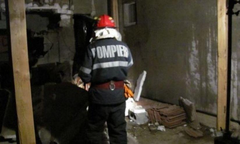 Explozie puternică într-o locuinţă din Satu Mare. O femeie, rănită