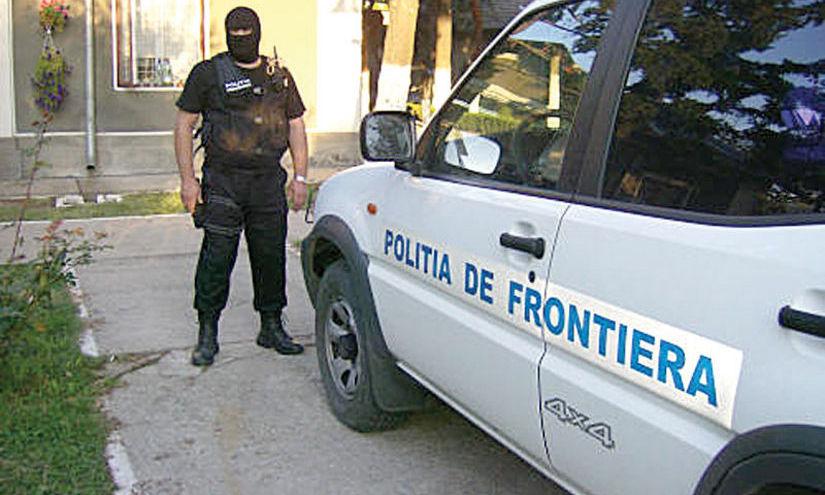 Poliţia de Frontieră: 12 migranţi, prinşi când încercau să intre ilegal în România