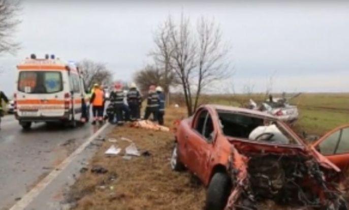 ACCIDENT CUMPLIT în Timiș: două persoane au murit, trei sunt la spital