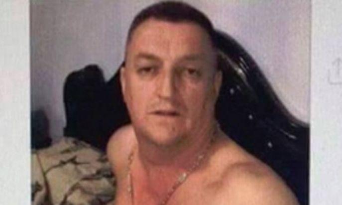 VIRAL PE NET: Primar din Timiș, selfie în chiloți roz