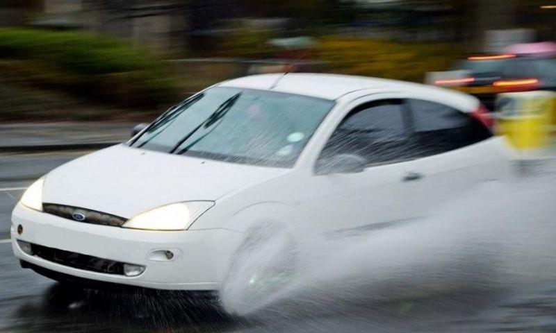 Atenţie, şoferi! RISC de acvaplanare pe Autostrada Bucureşti - Ploieşti