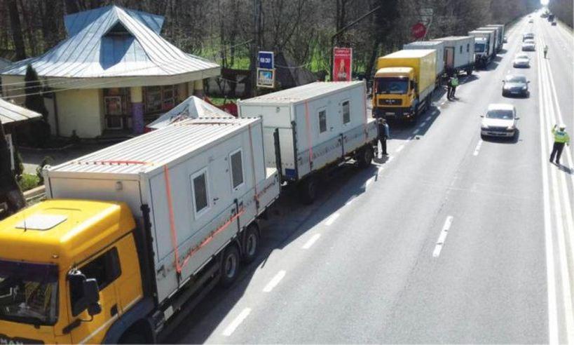 Fapte bune în SĂPTĂMÂNA PATIMILOR! Familiile afectate de ALUNECĂRI de TEREN în Prahova au primit ajutorul mult aşteptat