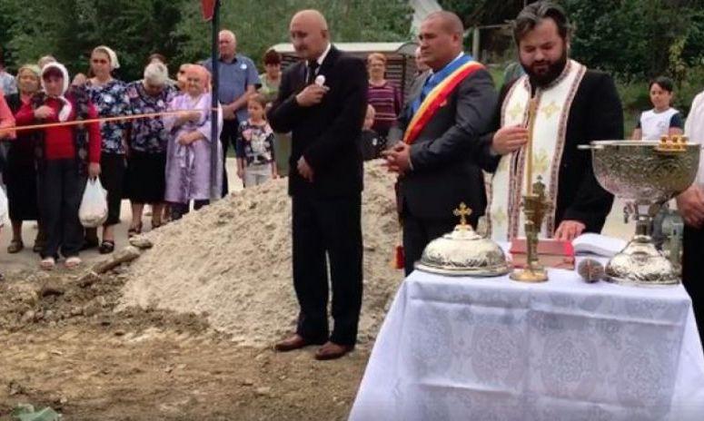 IMAGINILE ZILEI: Conductă de gaz, SFINȚITĂ în cinstea Consiliului Local