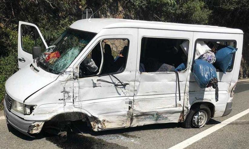 PLAN ROȘU de INTERVENȚIE! 13 persoane au fost rănite într-un accident produs la limita judeţelor Vâlcea şi Sibiu