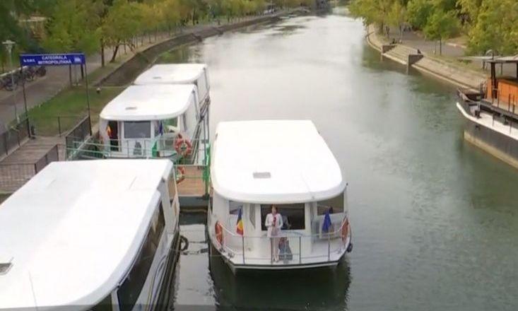 PREMIERĂ. Timișoara, primul oraș din România unde există transport public pe apă. Cum arată VAPORAȘELE care circulă pe BEGA