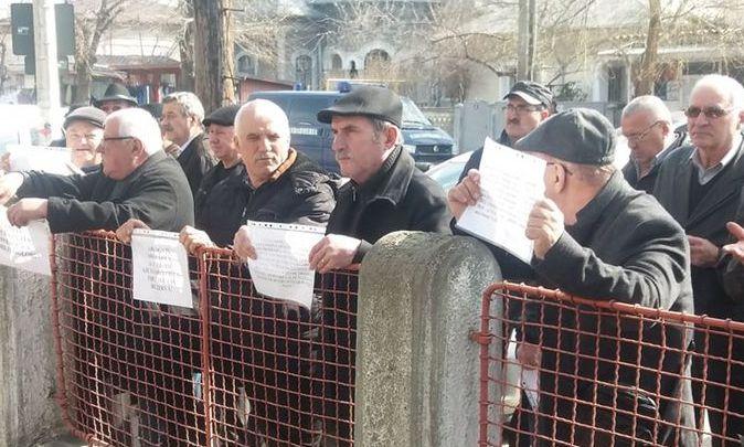 Rezerviștii MpN, MAI și SRI - protest în fieful lui Dragnea