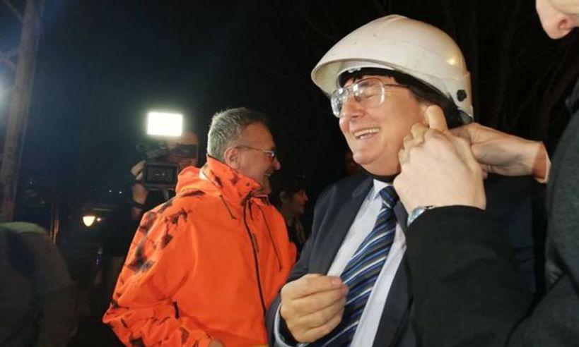 IMAGINILE ZILEI: Primarul Timișoarei le taie CABLURILE oamenilor și-i lasă fără semnal și internet