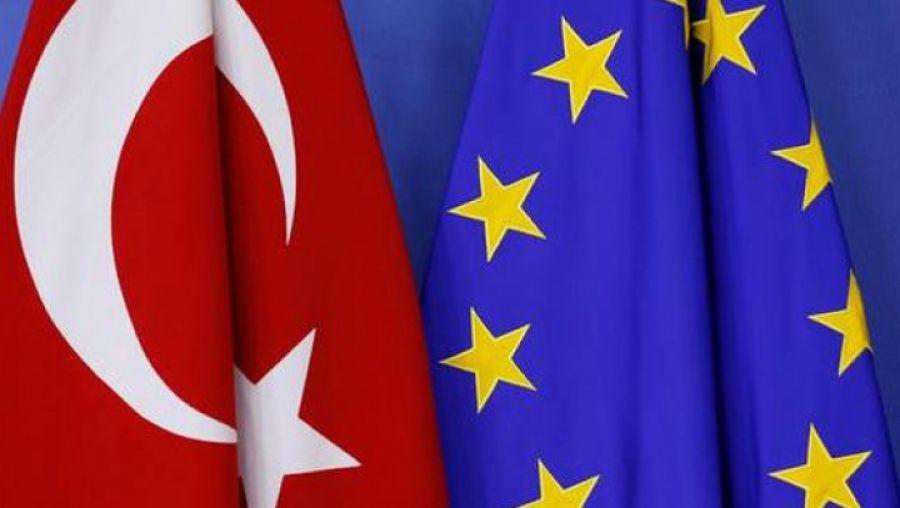 """UE, """"profund îngrijorată"""" după ce Turcia a autorizat desfășurarea de trupe în Libia"""