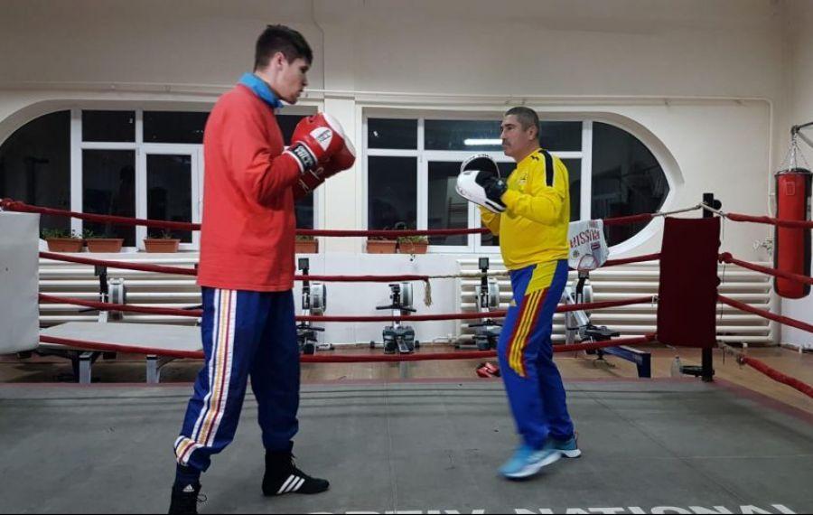 Șeful boxului românesc a urcat în ring după 20 de ani!