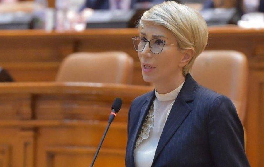 """UPDATE. Consiliul Naţional al PNL s-a reunit, duminică, la Palatul Parlamentului. Turcan: """"Am schimbat radical soarta României"""""""