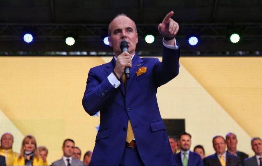 """Rareș Bogdan, ÎNDEMN pentru liberali: """"În fiecare zi să faceți RUGĂCIUNI pentru Ludovic Orban!"""""""