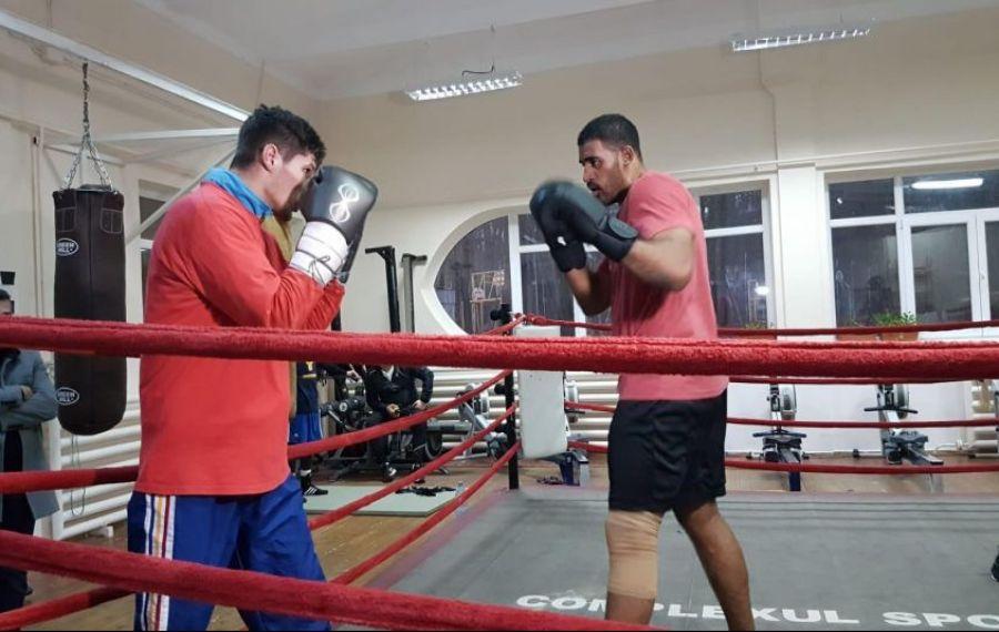 Benny Adegbuyi i-a antrenat pe boxerii din lotul olimpic