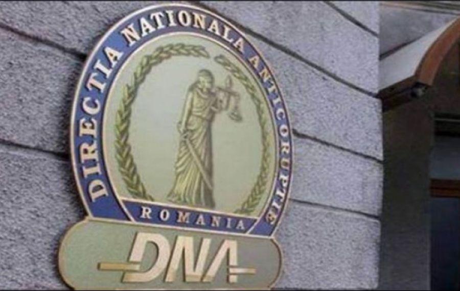 DNA: Ofițer din cadrul Poliției Sectorului 3, trimis în judecată pentru luare de mită