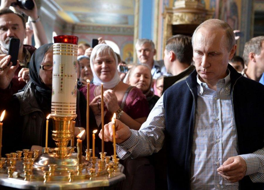 Credință și politică: De ce nu e menționat Dumnezeu în Constituția RUSIEI