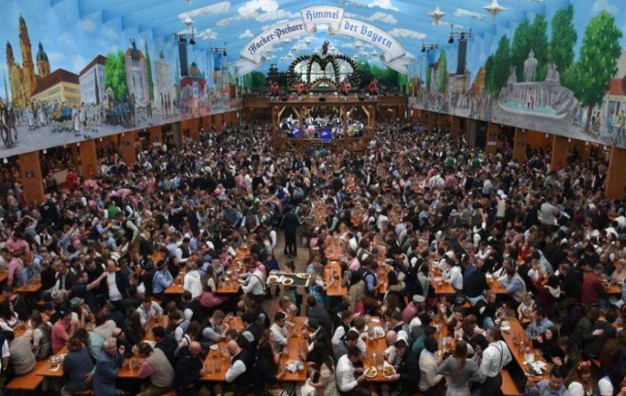 Pierderi de 1 miliard de euro pentru nemţi după ce tradiţionalul festival OKTOBERFEST a fost ANULAT