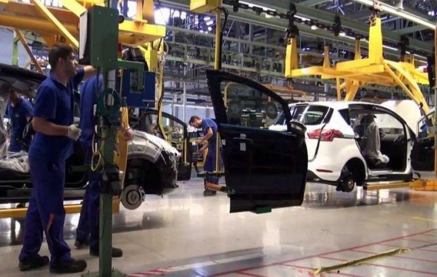 Uzina FORD de la Craiova a anunţat când reia PRODUCŢIA de vehicule şi motoare