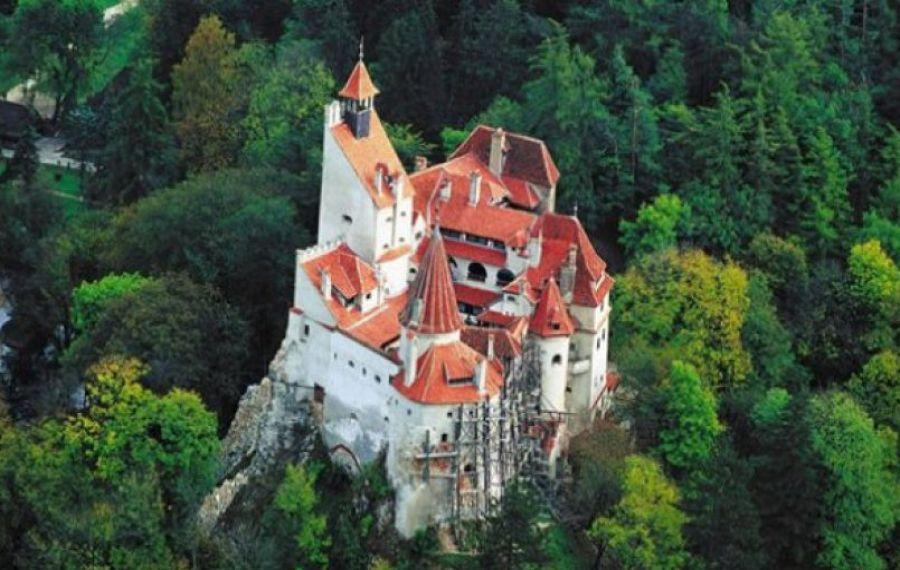 Castelul Bran și-a redeschis porțile pentru vizitatori. Ce măsuri de protecție a luat conducerea