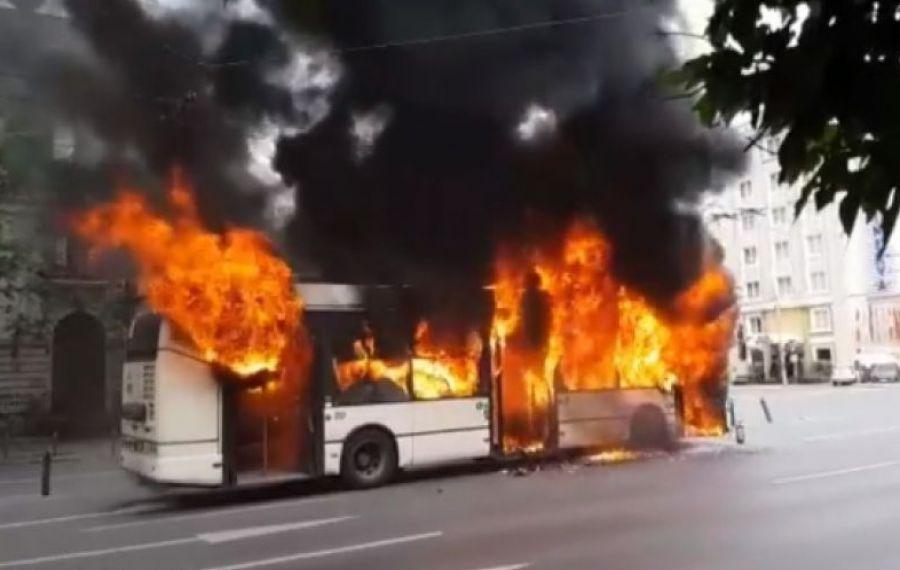 Ce decizie a luat STB după ce un troleibuz a luat foc