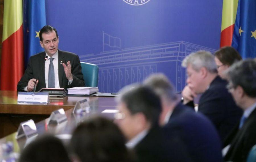 Guvernul își păstrează intenția de RESTRUCTURARE a aparatului bugetar