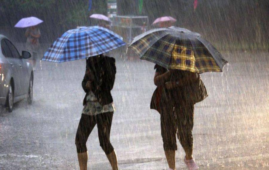 Nou avertisment ANM!! Cod portocaliu de ploi torenţiale în şapte judeţ,e până la ora 21:00