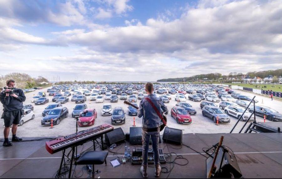 CONCERTE drive-in cu mai mulți artiști la Romexpo