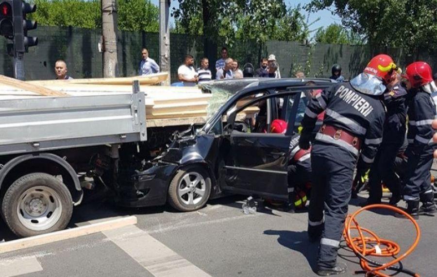 ACCIDENT TERIBIL în București. A fost restricționată circulația pe sensul de intrare în Capitală