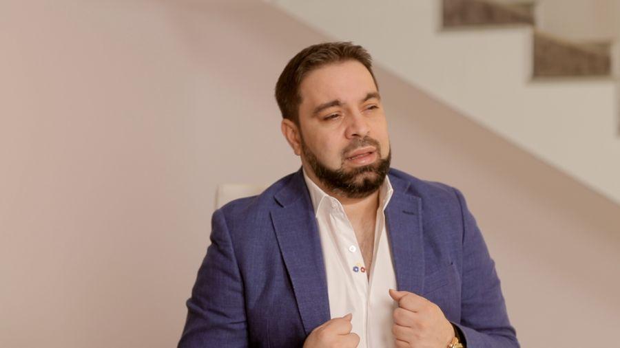 Florin Salam, implicat într-un accident de mașină. În ce stare se află manelistul