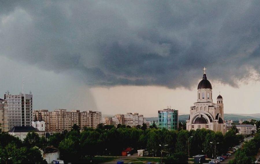 Meteorologii avertizează: Urmează trei zile de vreme instabilă și disconfort termic