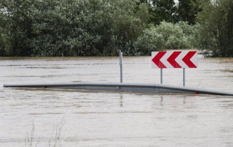 INHGA: Cod portocaliu de inundații și depășiri ale cotelor de apărare pe râul Prut. Cât durează avertizarea