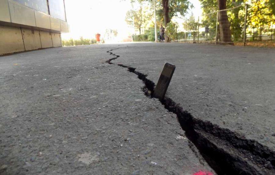 """România """"la pământ"""": De ce se SCUFUNDĂ Bucureștiul în unele zone. Și alt oraș are problema"""