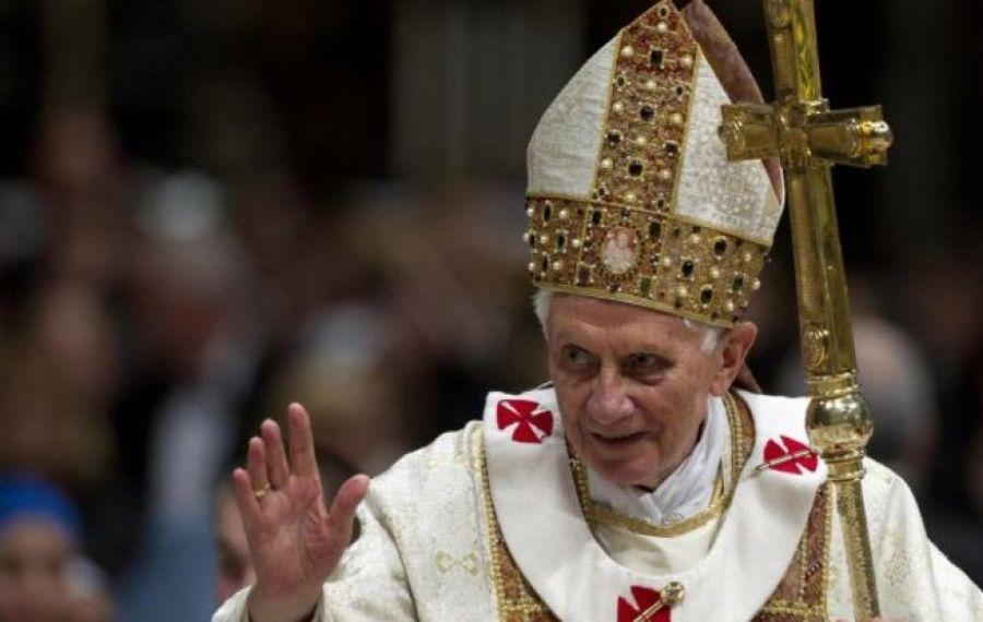"""Papa Benedict, """"extrem de fragil"""". De ce boală suferă fostul suveran pontif"""