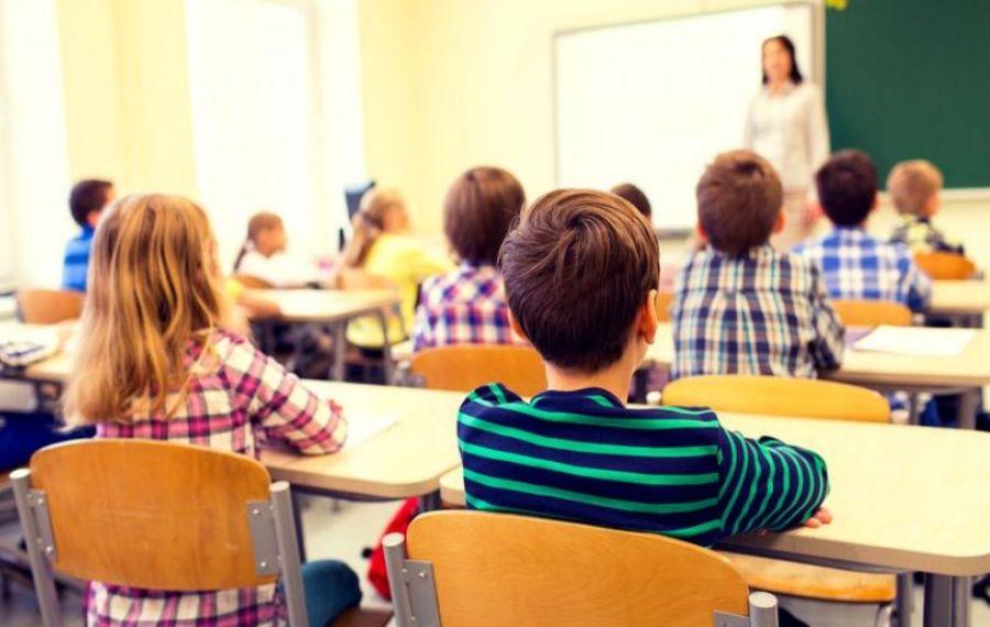 Peste 75% dintre români cred că perfomanțele școlare nu contează pentru succesul în viață