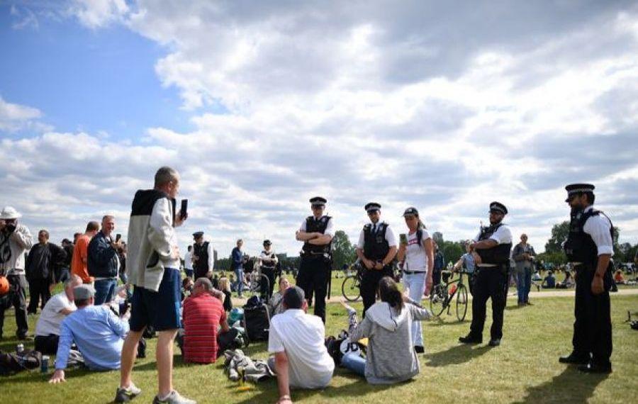 CORONAVIRUS. Adunările de peste şase persoane, interzise de luni în Anglia