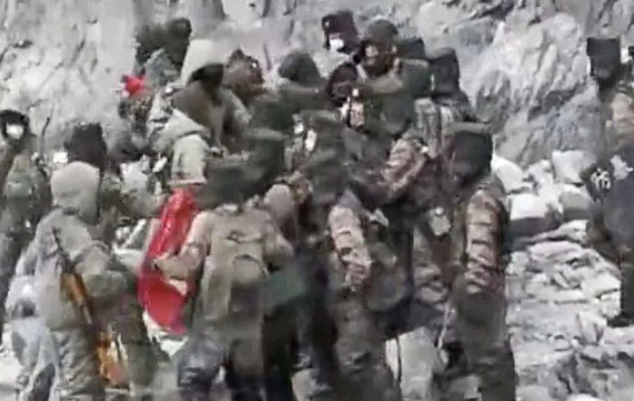 Lupte la frontiera China-India: videoclipul cu ciocnirea violentă în care au murit 20 soldați indieni a devinit viral