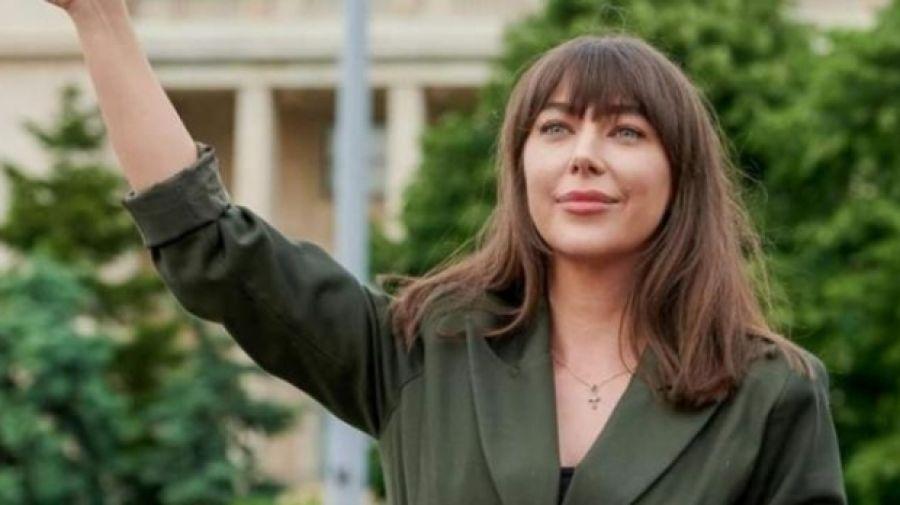 Metroul din Drumul Taberei, lansare cu scandal: Oana Lovin, săltată cu jandarmii. Scanda lozinci împotriva lui Iohannis