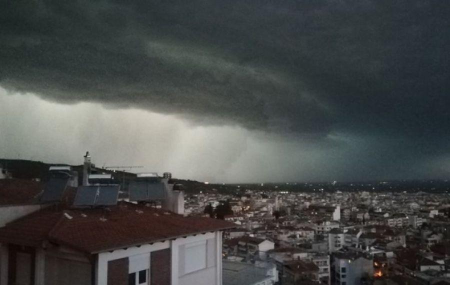 FURTUNĂ tropicală în Grecia. Urmează COD ROȘU și precipitații de 300 litri/mp / ZONELE AFECTATE