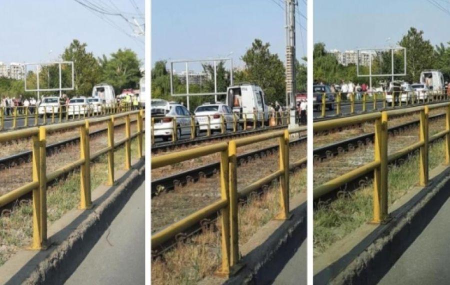 ULTIMA ORĂ: Trafic blocat pe linia tramvaiului 41. Un pieton a fost accidentat mortal