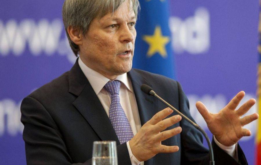 """Dacian Cioloș, întrebare de 100 de puncte adresată Gabrielei Firea: Nu vreți să faceți un test poligraf cu întrebarea """"Ați luat șpagă""""?"""