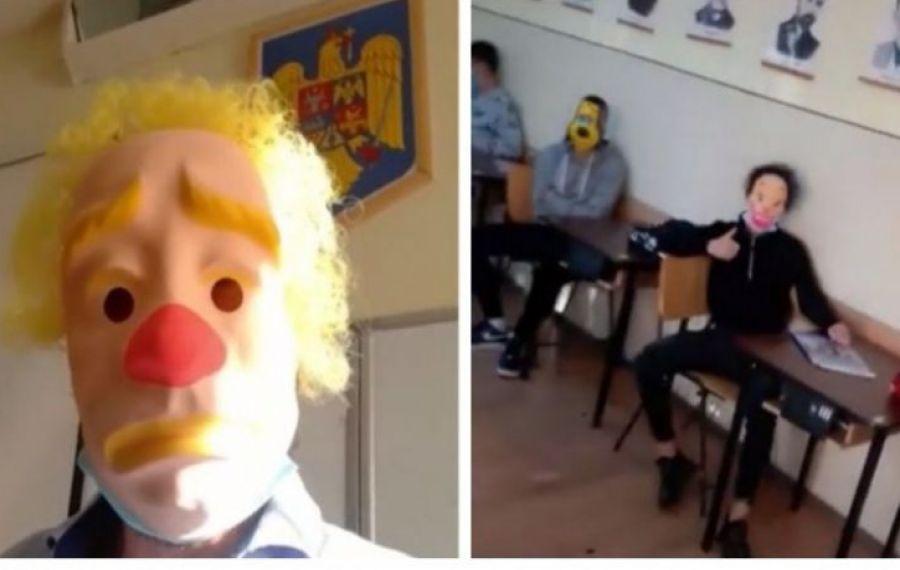 """Profesorul ANTI-mască din Oradea: """"Ne obligă să fim ca niște ANIMĂLUȚE în ţarc"""""""
