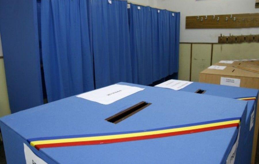FRAUDĂ în Vaslui: Primarul și viceprimarul unei comune, REȚINUȚI după alegeri