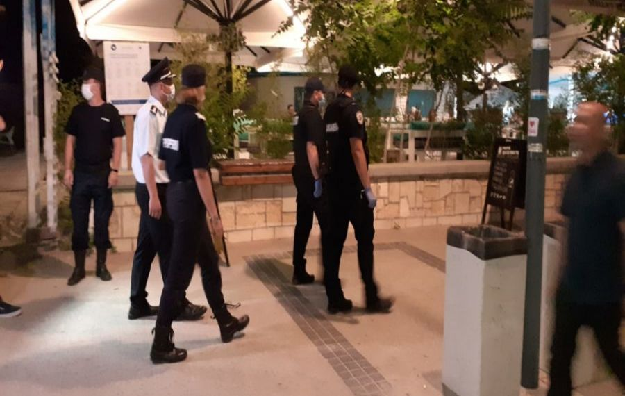Mare atenție la respectarea măsurilor împotriva COVID-19. Poliția dă amenzi pe bandă rulantă: Sume uriașe strânse într-o singură zi